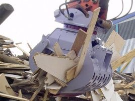 Demolition grab with Torriani slewing ring bearing
