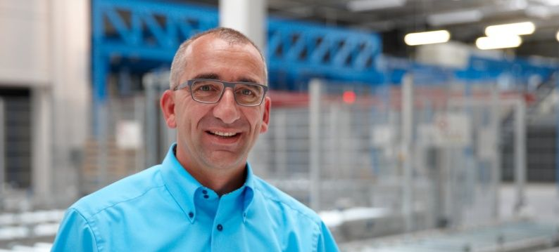 Volker Manz, manager production centre Stöber