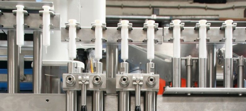 3 Slider Stöber servo motors are used for filling of syringes