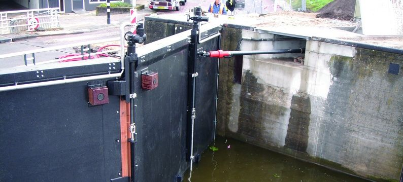 new steel lock gates are driven by energy efficient ADE electromechanical actuators